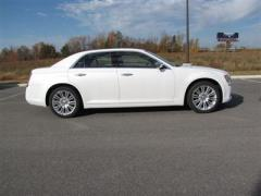 Chrysler 300 4dr Sdn V6 Limited RWD Sedan Car