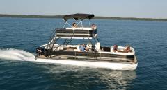 Premier Boundary Sky Dek™ Boat