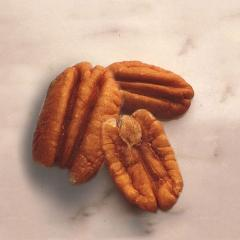 Fancy Mammoth Pecan Halves 24/16 Oz Packages Per