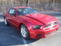 2013 Ford Mustang V6 Coupe Car