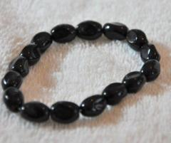 Bracelet with fully black beaded