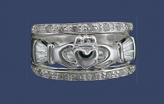 Q4041 Sterling Silver Claddagh Wedding Ring