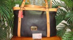 Style 19130 Black & Tan Handbag