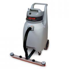 Betco® Workman[tm] Tip & Pour Wet/Dry