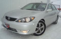 2005 Toyota Camry SE V6 Sedan