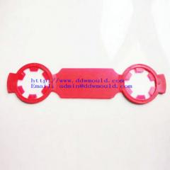 DDW Promotionnal 2 hole plastic buckle plastic handle for PET water bottle