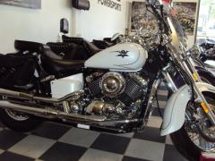 Chopper motorcycle 2009 Yamaha V-Star 650 Classic