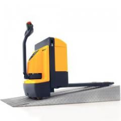 Electric pedestrian operated pallet truck (2000