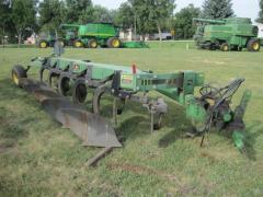 JOHN DEERE 2800 Plow-Moldboard