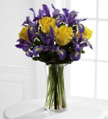 The FTD® Sunlit Treasures™ Bouquet B26-4405