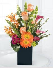 The FTD® Breathtaking Blooms™ Bouquet C5-4037