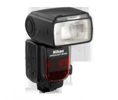 SB-900 AF Speedlight