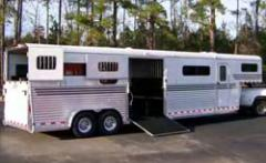 Deluxe Four Horse Head To Head Trailer with Side
