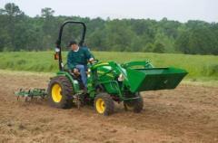 2010 John Deere 2720 4WD Compact Tractor