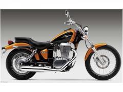 Suzuki Boulevard S40 Motorcycle