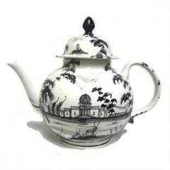 Isis Black Palladian Teapot
