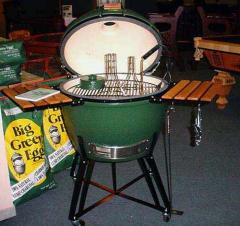 Big Green Egg® Grills