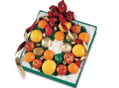 Fruit Assortment Holiday Wreath