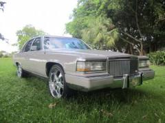 Cadillac FLEETWOOD BROUGHAM 1991 года