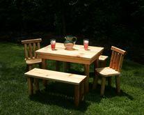 The Nicholas Table Set