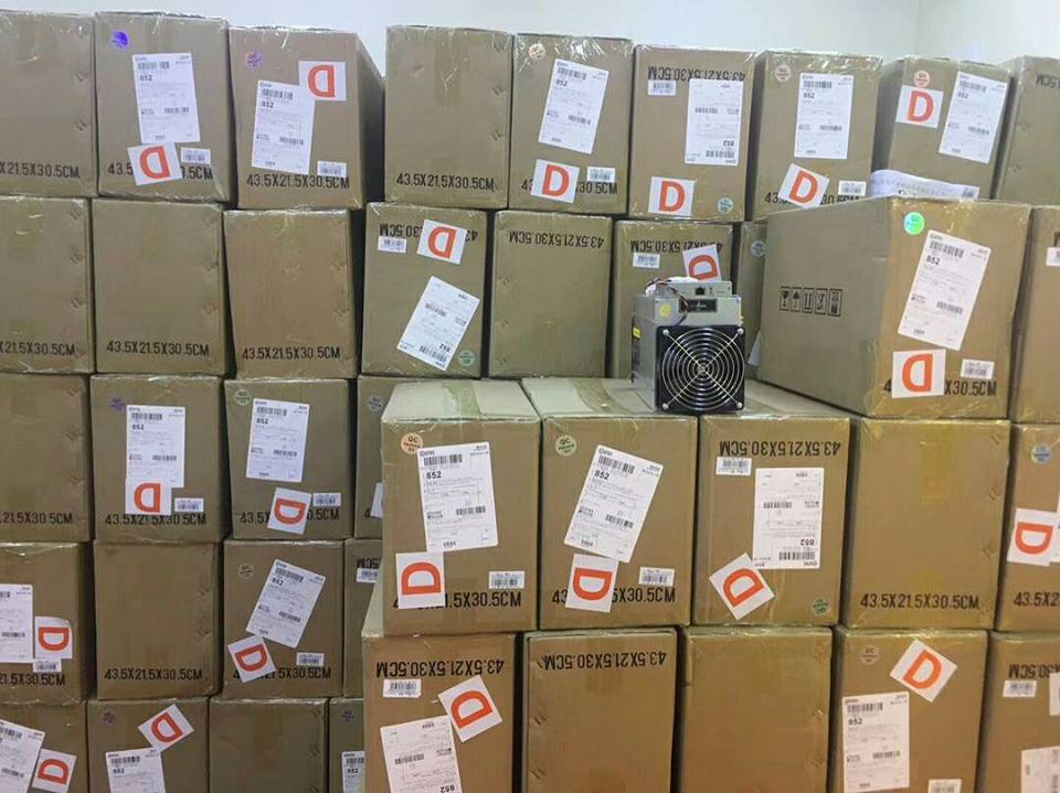 new_antminer_d3_dashcoin_miner_19ghs_with_original