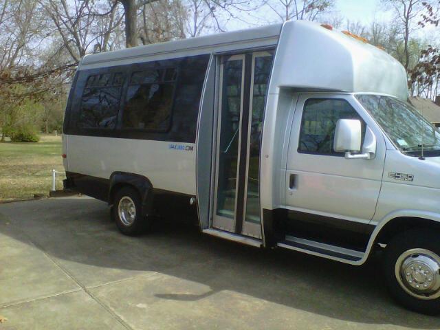 Order Shuttle Bus - 14 pax Rental