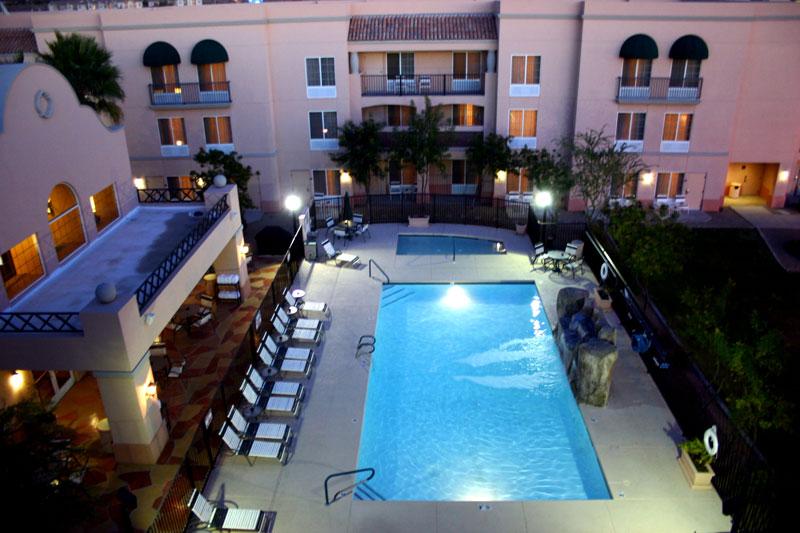 Order Hampton Inn & Suites Scottsdale