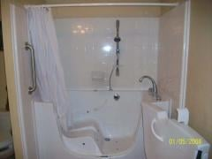 WheelChair Accesible Bathtubs