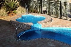 Custom Spas & Hot Tubs