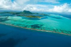 Paul Gauguin: 10-night Society Islands & Tuamotus Cruise with Valentine Gift Package Available